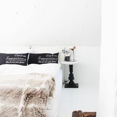 Bild från sovrummet i Kråk's stuga