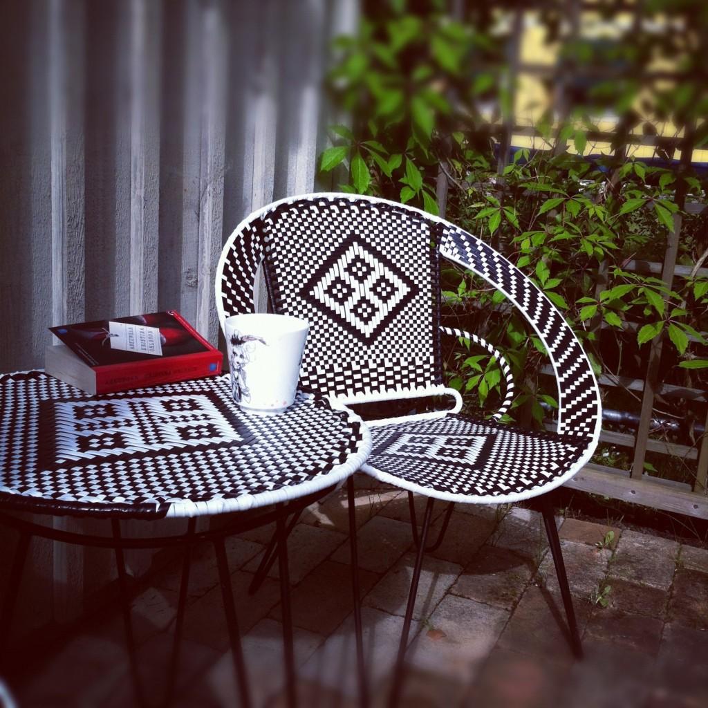 Sally Ann - stol och bord på terassen